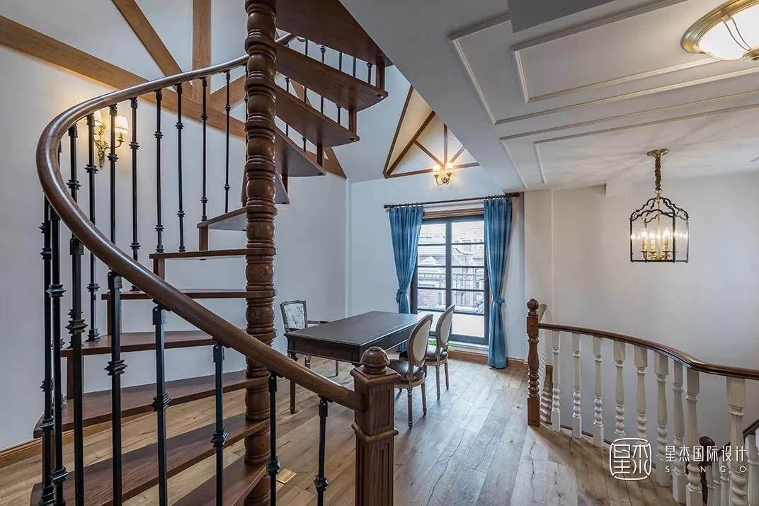 美式风格楼梯
