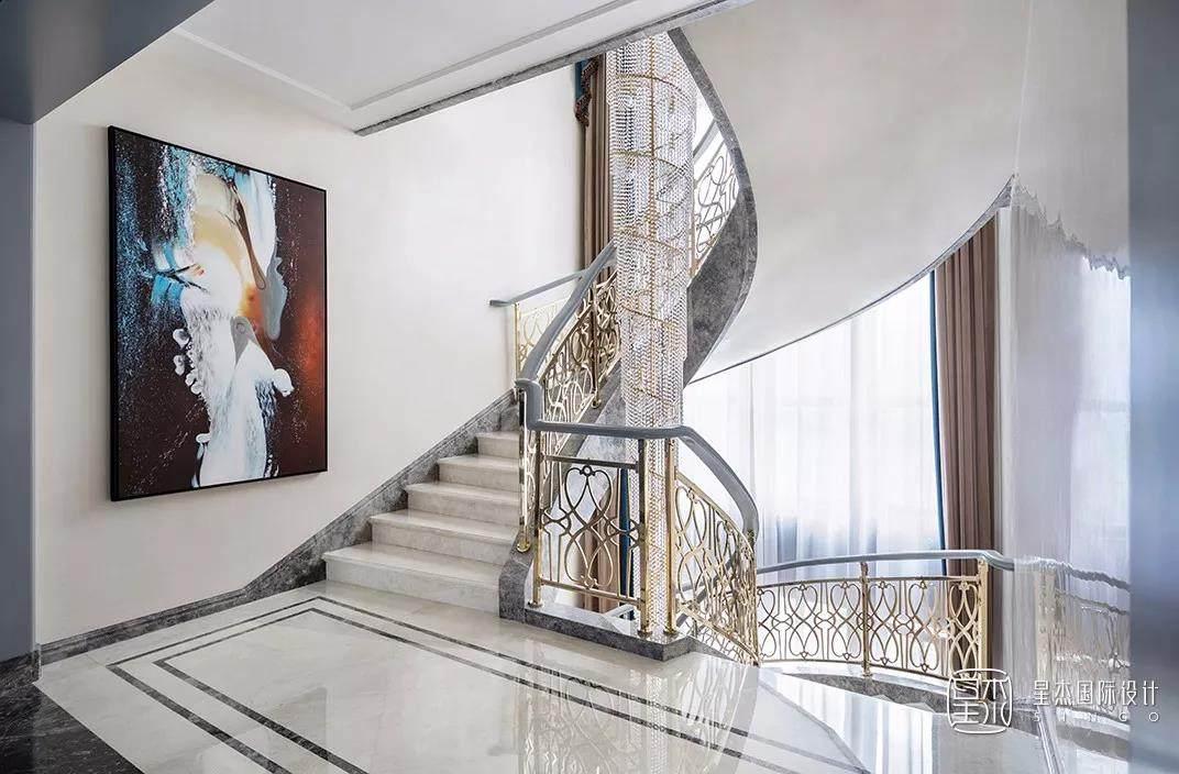 豪华楼梯实景