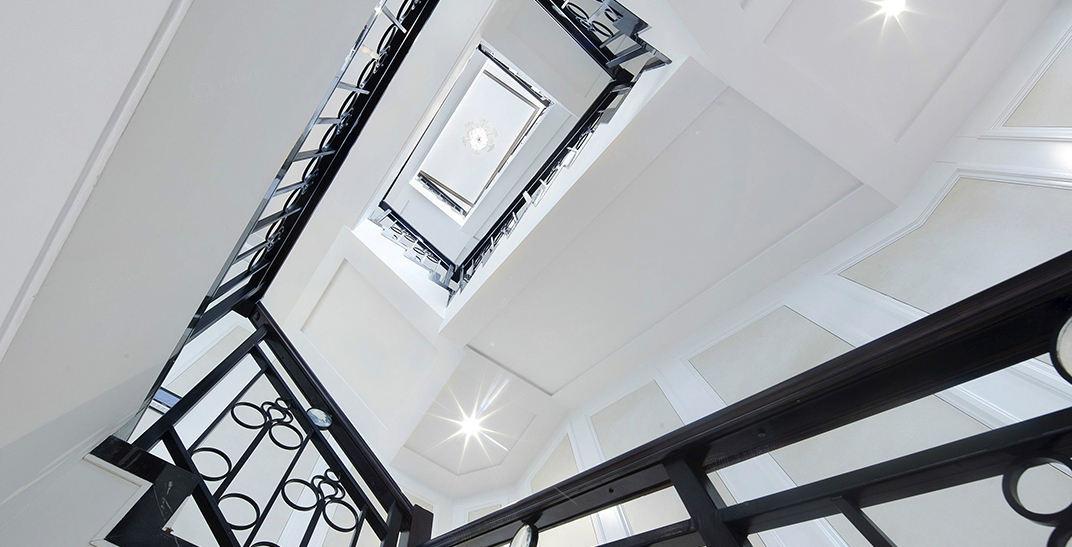 新浦江城  欧式古典装修楼梯效果图