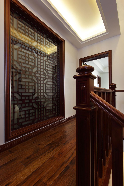 中景水岸 中式装修楼梯效果图