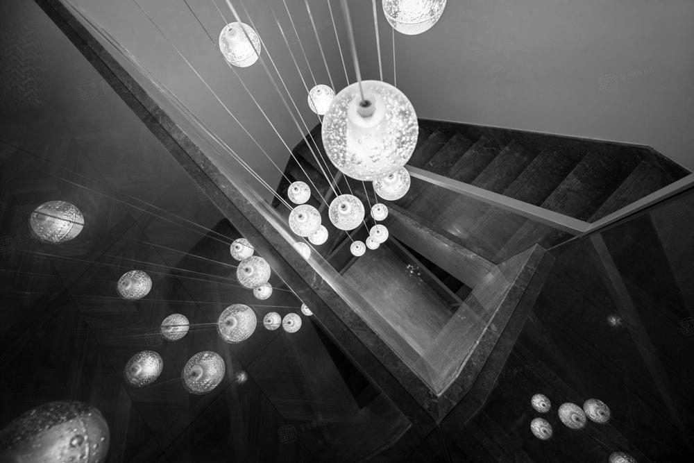 金科王府—轻奢有度装修楼梯效果图