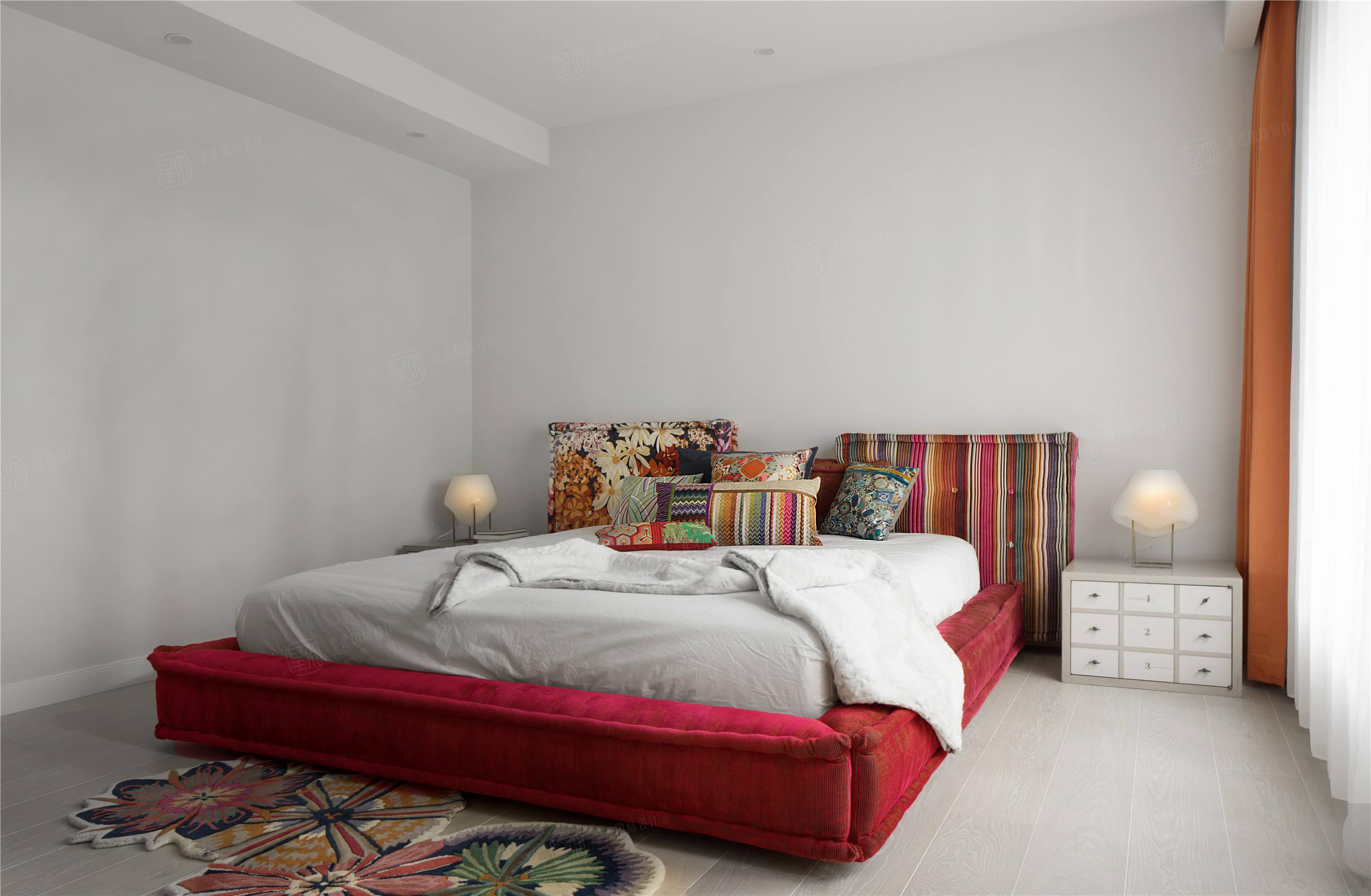 实景 海域观园    简约风格装修卧室效果图