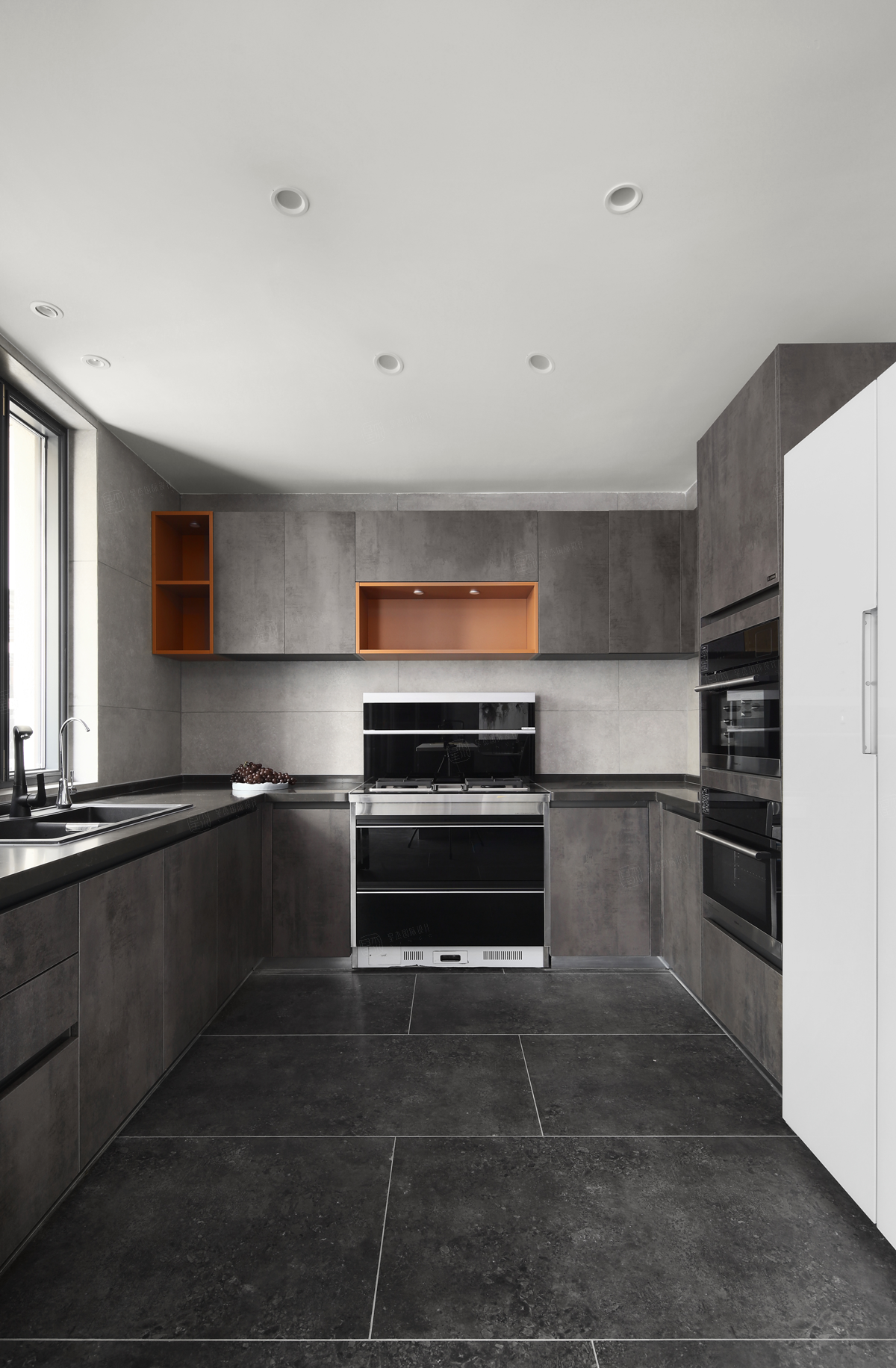 绿地晶萃___现代法式装修厨房效果图