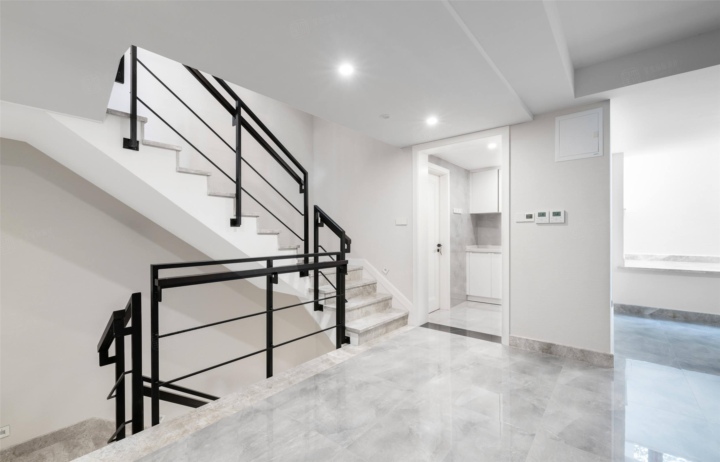 实景 海域观园    简约风格装修楼梯效果图