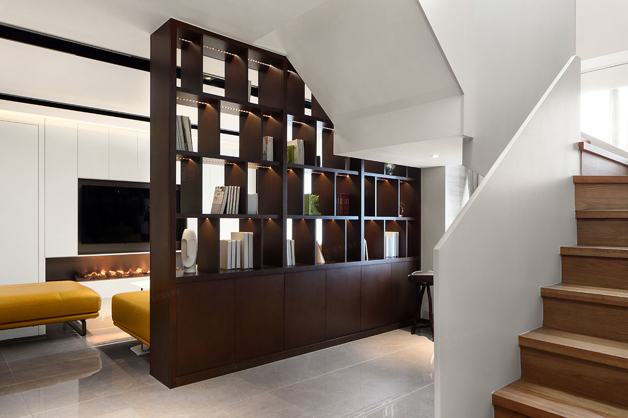 現代簡約裝修樓梯效果圖