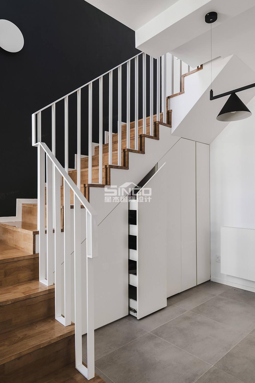 申江豪城实景 现代简约装修楼梯效果图