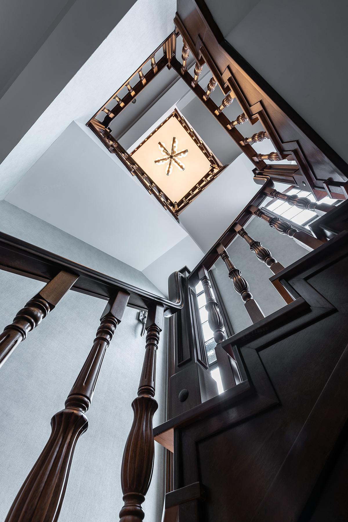 锦轩新墅 美式 装修楼梯效果图