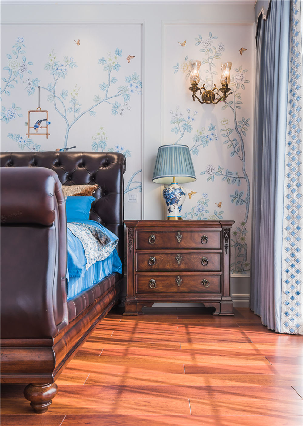 十九尊实景 法式装修卧室效果图